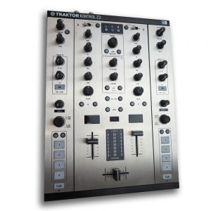 Traktor Z2 – Brushed Steel